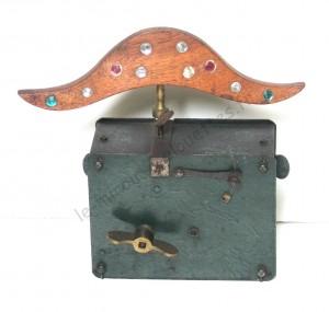 Miroir Chapeau de Gendarme 300x285 - 1891  BRUN-LATRIGE